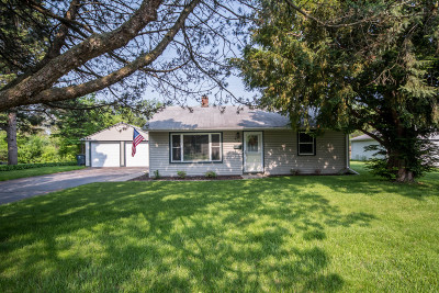 Mukwonago Single Family Home Active Contingent With Offer: 413 Cedar St