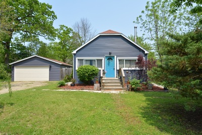 Genoa City Single Family Home Active Contingent With Offer: W1099 Crocus Rd