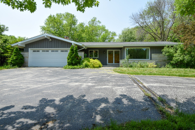 Brookfield Single Family Home Active Contingent With Offer: 765 Poplar Creek Dr