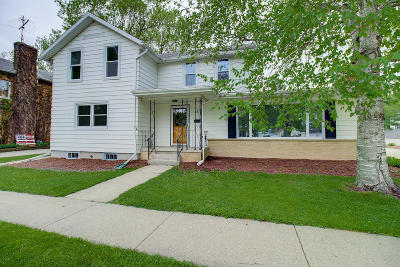 Elkhorn Single Family Home For Sale: 116 S Broad St