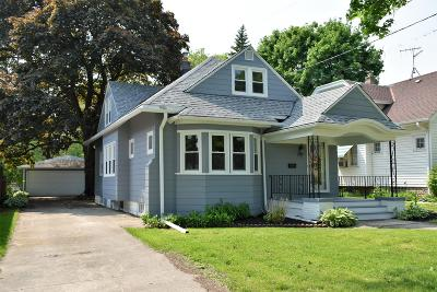 Wauwatosa Single Family Home Active Contingent With Offer: 1517 N 67th St