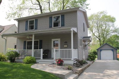 West Allis Single Family Home Active Contingent With Offer: 8712 W Stuth Ave