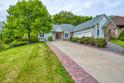 Muskego Single Family Home Active Contingent With Offer: W164s6811 Chamberlain Hill Dr