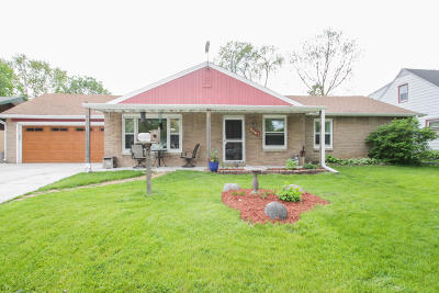 Wauwatosa Single Family Home For Sale: 2461 N 115th St