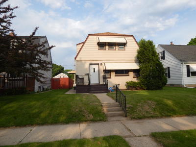 West Allis Single Family Home For Sale: 812 S 93rd St