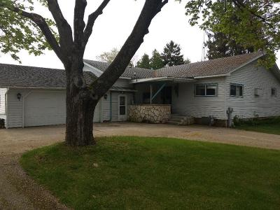 Menominee Single Family Home Active Contingent With Offer: N1858 M-35