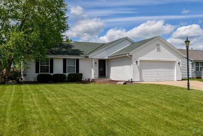 East Troy Single Family Home Active Contingent With Offer: 2604 N Sterling Cir