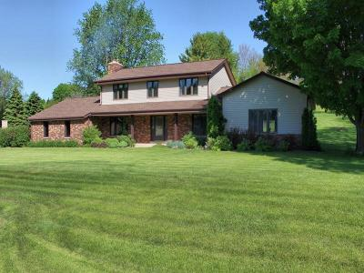 New Berlin Single Family Home Active Contingent With Offer: 21600 W Hidden Valley Dr
