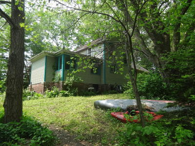 Watertown Single Family Home For Sale: 704/703 Labelle St