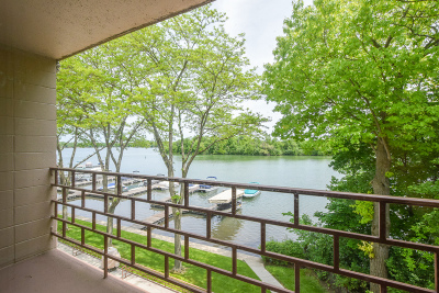 Racine County Condo/Townhouse For Sale: 3405 S Browns Lake Dr #29