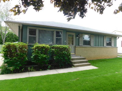 Hales Corners Single Family Home For Sale: 5427 S 112th