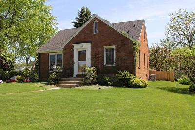 South Milwaukee Single Family Home Active Contingent With Offer: 601 Elm Ave