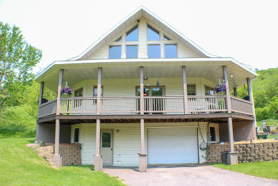 Vernon County Single Family Home For Sale: E13784 Taylor Valley Rd