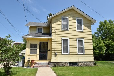 Waukesha Single Family Home For Sale: 127 Maple Ave