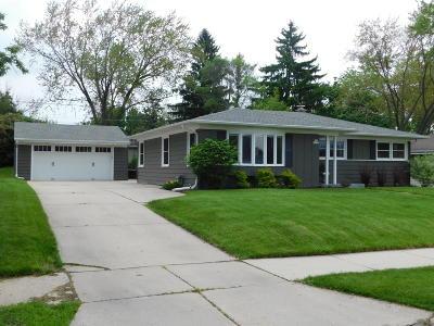 Menomonee Falls Single Family Home For Sale: N86w17300 Joss Pl