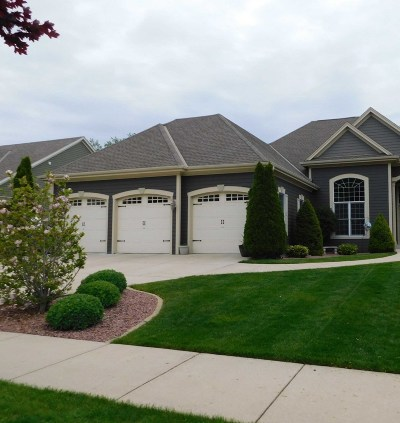 Grafton Single Family Home Active Contingent With Offer: 1926 Blackhawk Dr