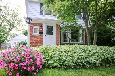 Whitefish Bay Single Family Home For Sale: 6233 N Lydell Ave