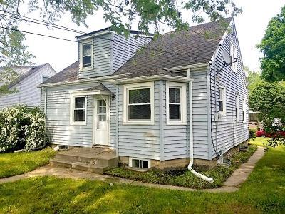 Milwaukee Single Family Home For Sale: 4847 N 71st St