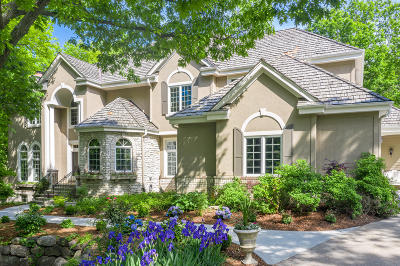 Delafield Single Family Home For Sale: W305n1610 Silverwood Ln