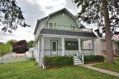 Milwaukee Single Family Home For Sale: 4036 S 2nd St