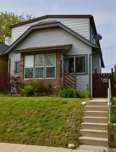 West Allis Single Family Home For Sale: 7738 W Hicks