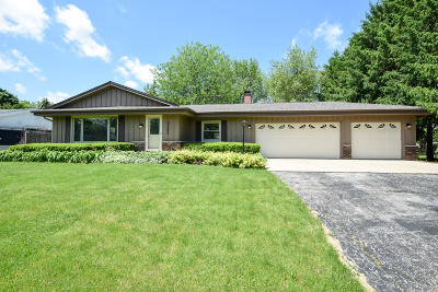 Waterford Single Family Home Active Contingent With Offer: 25604 W Loomis Rd