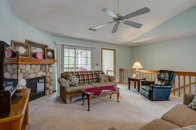 Condo/Townhouse Active Contingent With Offer: 4931 W Maple Leaf Cir