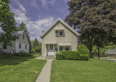 West Allis Single Family Home Active Contingent With Offer: 907 S 100th St