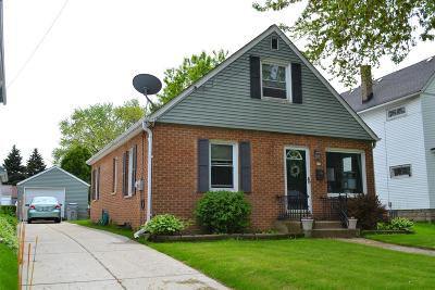 Milwaukee Single Family Home Active Contingent With Offer: 515 W Warnimont Ave