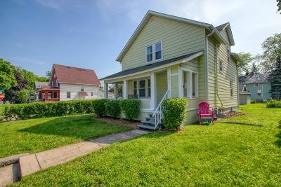 Waukesha Single Family Home Active Contingent With Offer: 701 S Grand Ave