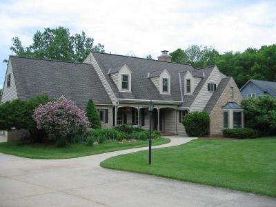 Brookfield Single Family Home For Sale: 14135 Golf Pkwy