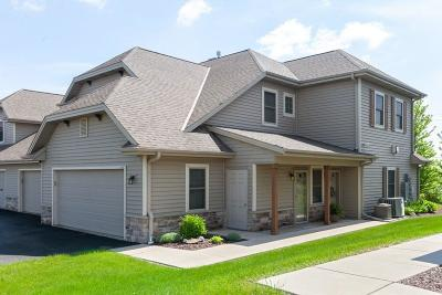 Grafton Condo/Townhouse Active Contingent With Offer: 1706 New Port Vista Dr