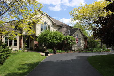 Pewaukee Single Family Home For Sale: W261n2522 Deer Haven Dr