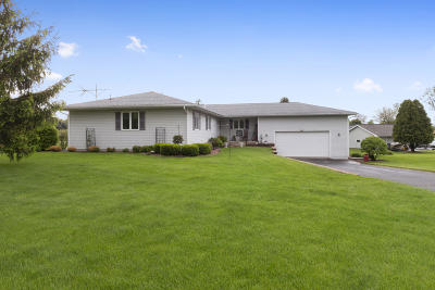 Elkhorn Single Family Home For Sale: W5117 Hares Foot Rd