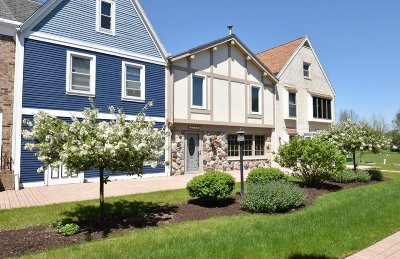 Grafton Condo/Townhouse Active Contingent With Offer: 2219 Stonecroft Dr