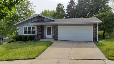 Waukesha Single Family Home Active Contingent With Offer: 1030 Macarthur Ct