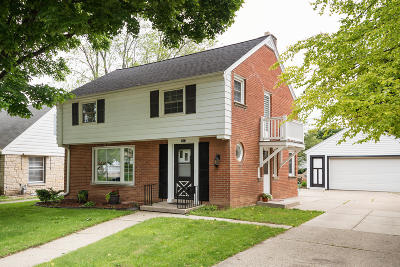 Wauwatosa Single Family Home For Sale: 2012 N 70th St