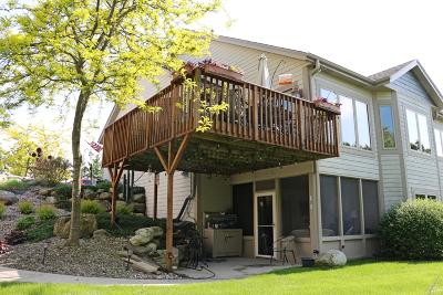 Hartland Condo/Townhouse Active Contingent With Offer: N76w30904 County Road Vv #7