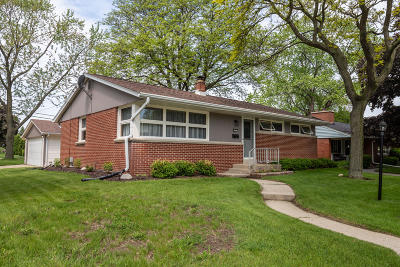 West Allis Single Family Home Active Contingent With Offer: 2895 S 104th St