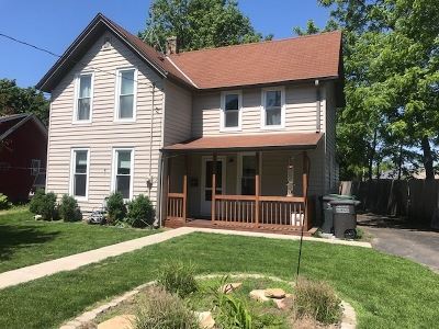 Oconomowoc Single Family Home Active Contingent With Offer: 420 Wood St