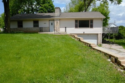 Brookfield Single Family Home For Sale: 13040 Myrtle Ave
