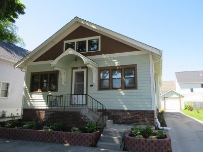 Sheboygan Single Family Home For Sale: 1330 Bluff Ave