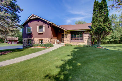 Hartland Single Family Home For Sale: W324n8278 North Crest Dr