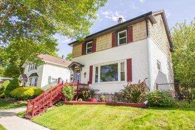 Milwaukee Single Family Home Active Contingent With Offer: 229 E Norwich St