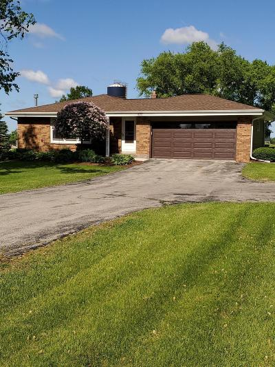 West Bend Single Family Home Active Contingent With Offer: 4711 Maple Grove Dr