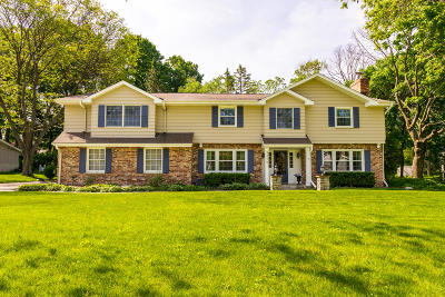 Brookfield Single Family Home Active Contingent With Offer: 4390 Imperial Dr
