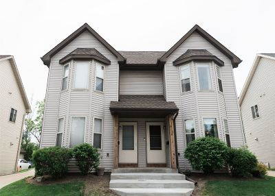 Milwaukee Condo/Townhouse Active Contingent With Offer: 2449 S Saint Clair St #5
