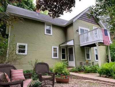 Grafton Single Family Home For Sale: 2101 Maple Rd