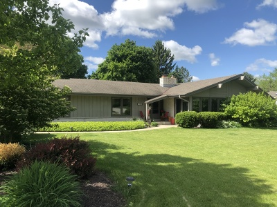 Brookfield Single Family Home For Sale: 17455 Bedford Dr