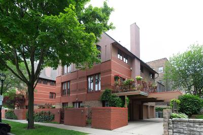 Milwaukee Condo/Townhouse For Sale: 814 E Kilbourn Ave